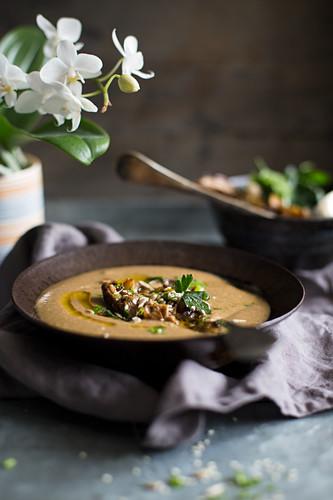 Creamy mushroom soup with parsley