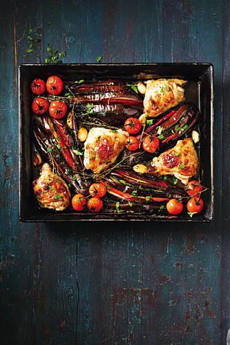 Huhn mit Auberginen und Tomaten aus dem Ofen