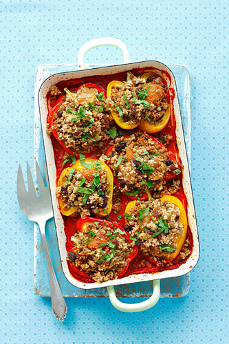 Baked peppers stuffed with couscous, raisins and dried apricots (vegan)
