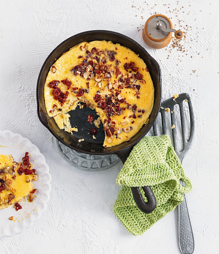 Nussomelett mit Parmesan und Cranberrys