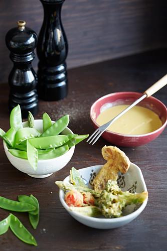 Gemüse-Tempura mit Fonduesauce