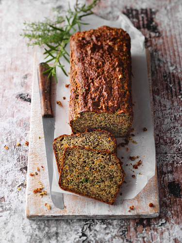 Vegan low-card herb bread