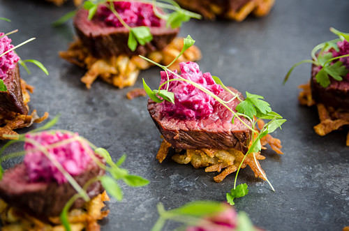 Rehfilet auf Rösti mit Rote-Bete-Salat