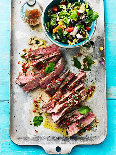 Rindersteak mit Salat