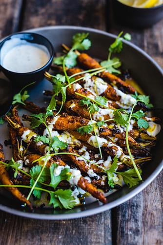Fried tandoori carrots with yoghurt sauce