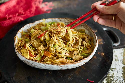 Stir-fried glass noodles with pork