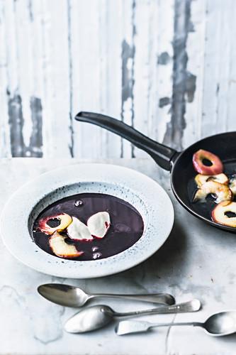 Elderberry soup with apples and vanilla yogurt