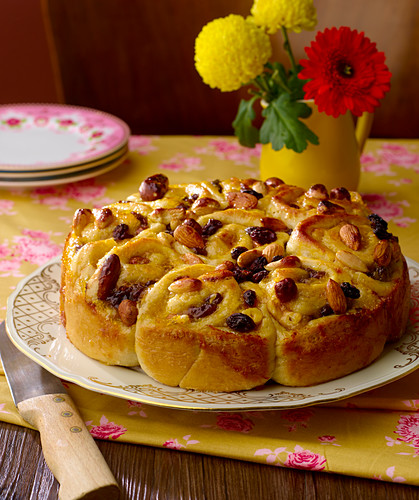 Raisin and almond spiral cake