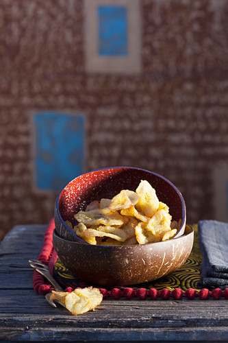 Fried plantain chips with ginger (Ivory Coast, Africa)