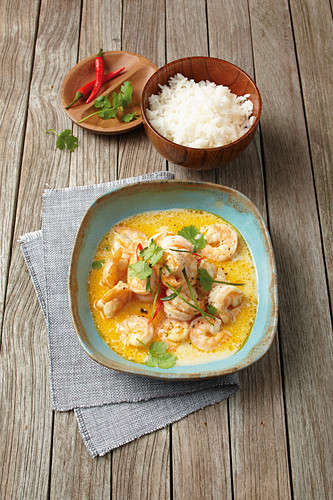 Shrimp with coconut milk and chili