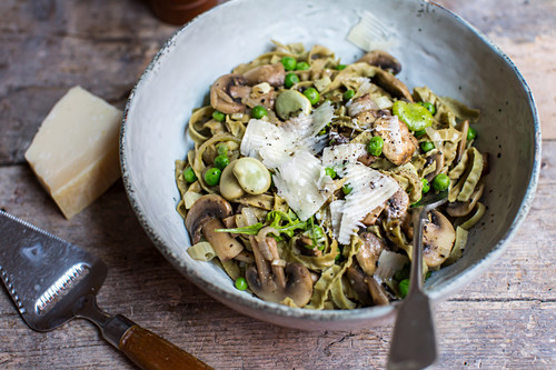 Pasta with broad beans