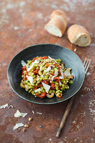 Salad with flageolette beans, olives, dried tomatoes and celery