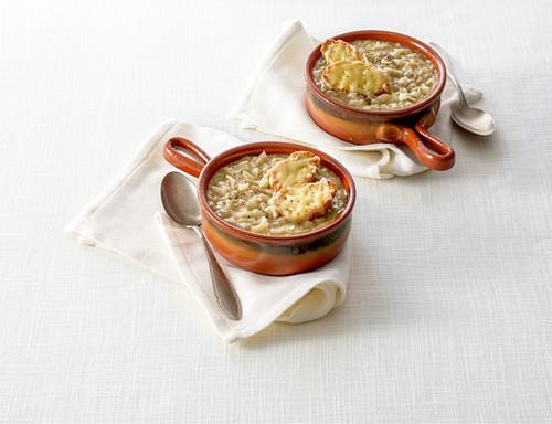 Zuppa di cipolle (onion soup, Italy)