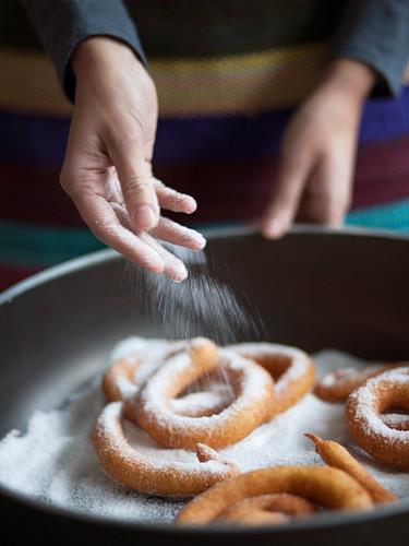 Cattas (deep-fried rings, Italy)