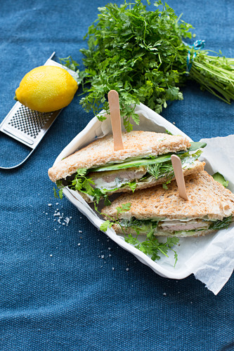 Toasted sandwiches with turkey escalope, lettuce, mini cucumber, chervil and dill