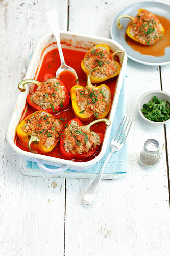 Peppers stuffed with pork and barley