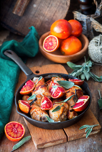 Chicken legs with sage and blood oranges