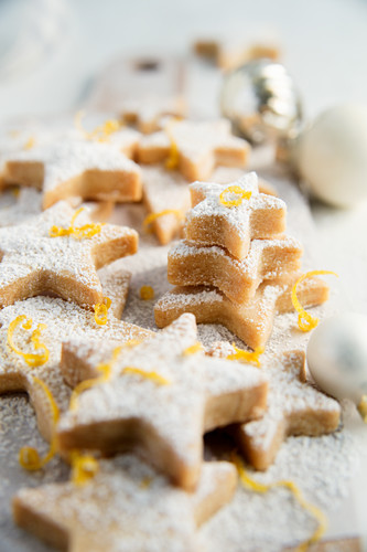 Lemon shortbread stars (Close up)