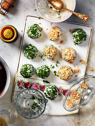 Cheese balls with hazelnuts and parsley for a New Year's Eve party
