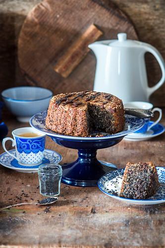 Black sesame cake and chocolate cake