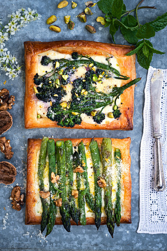 Puff pastry with asparagus, broccolini and three cheeses (top view)