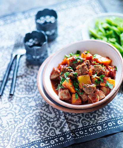 Lamb tagine with carrots, peppers and parsley