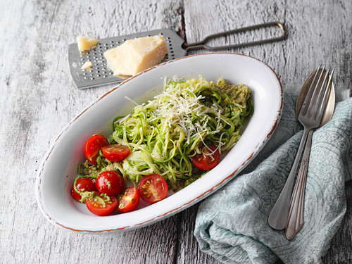 Zoodles with wild garlic pesto (low carb)