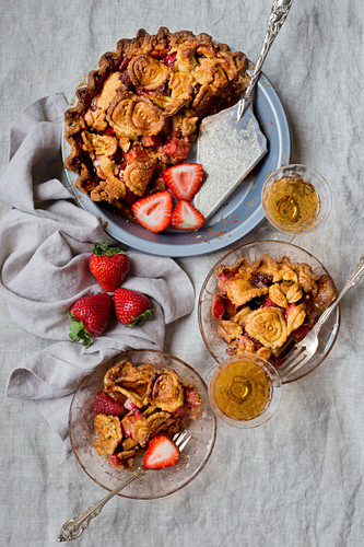 Strawberry Rhubarb Pie, Gluten-free