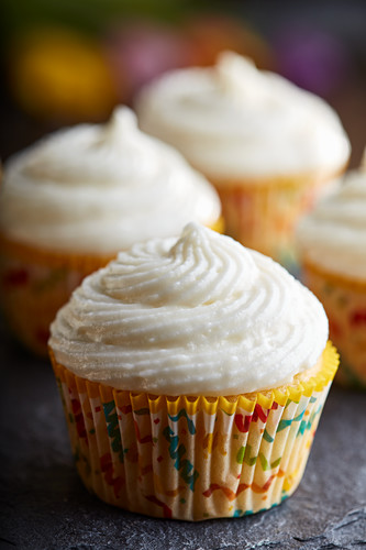 Cupcakes with Whipped Ricotta Frosting
