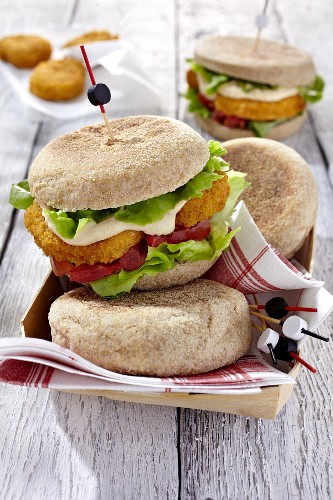 Vegan muffins with houmous, tomatoes and lettuce