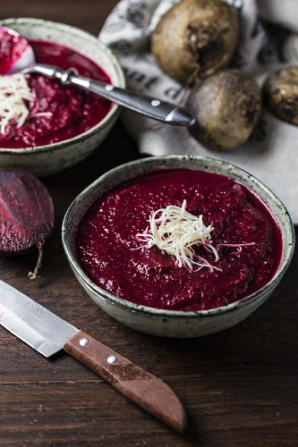 Beetroot soup with horseradish