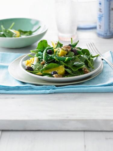 Spinach salad Niçoise