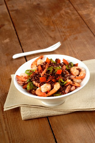 Jambalaya (rice with vegetables, meat and seafood)