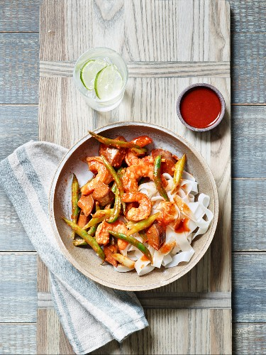 Fried prawns with rice noodles (Asia)