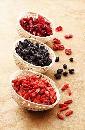 Getrocknete Gojibeeren, Aroniabeeren und Cranberries