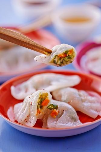 Asiatische Ravioli aus Reismehl