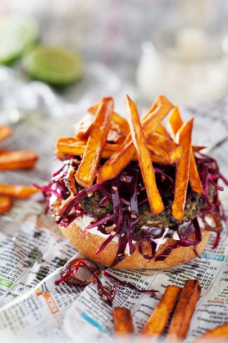 Lentil burger with red cabbage and sweet potato chips