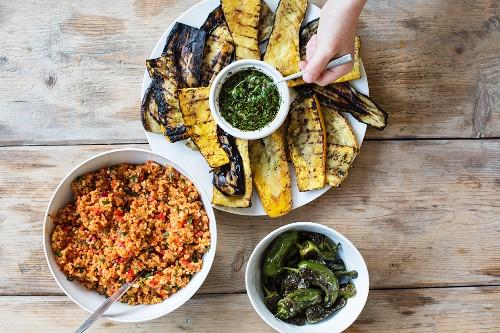 Grilled vegetables and bulgur salad