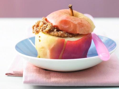 Baked apple filled with spelt