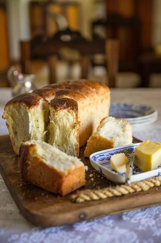 Mossbolletjie (South African yeast bread)