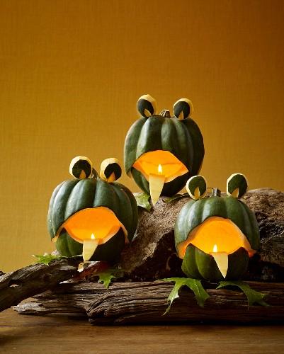 Pumpkin frogs as Halloween decoration