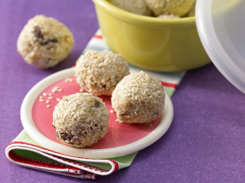 Muesli balls with quark