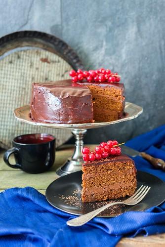 Praga (Prague) cake (a chocolate sponge cake from Russia)