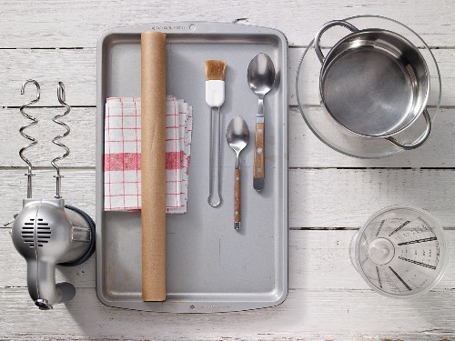 Kitchen utensils for baking bread