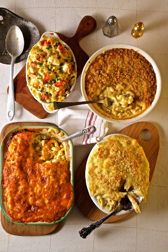 Classic macaroni and cheese dishes