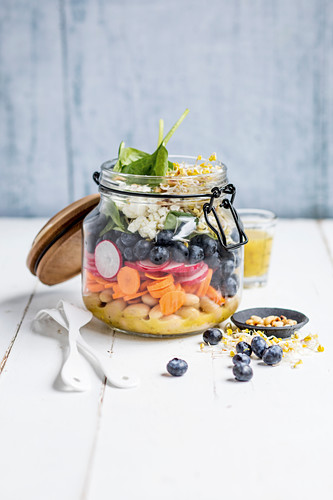 Summer salad in a glass to take away