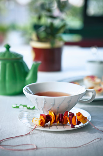 Tea punch with Grand Marnier, spices, oranges and honey