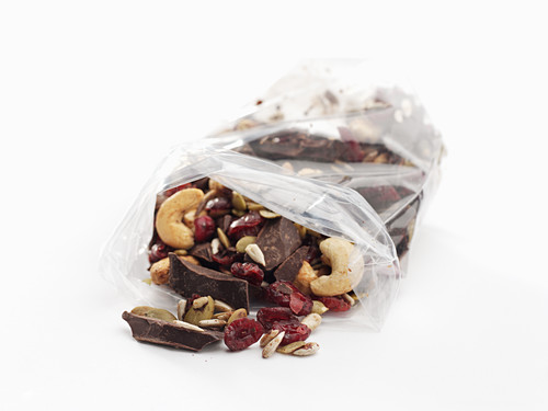 Chocolate break with kernels, cashew nuts and cranberries