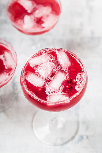 Pomegranate Fizz with tonic water, pomegranate juice and vodka