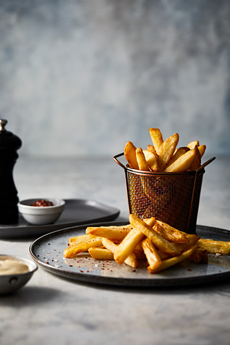Hot chips with chilli salt